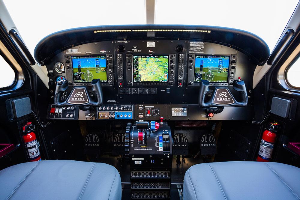 Quest KODIAK cockpit panel