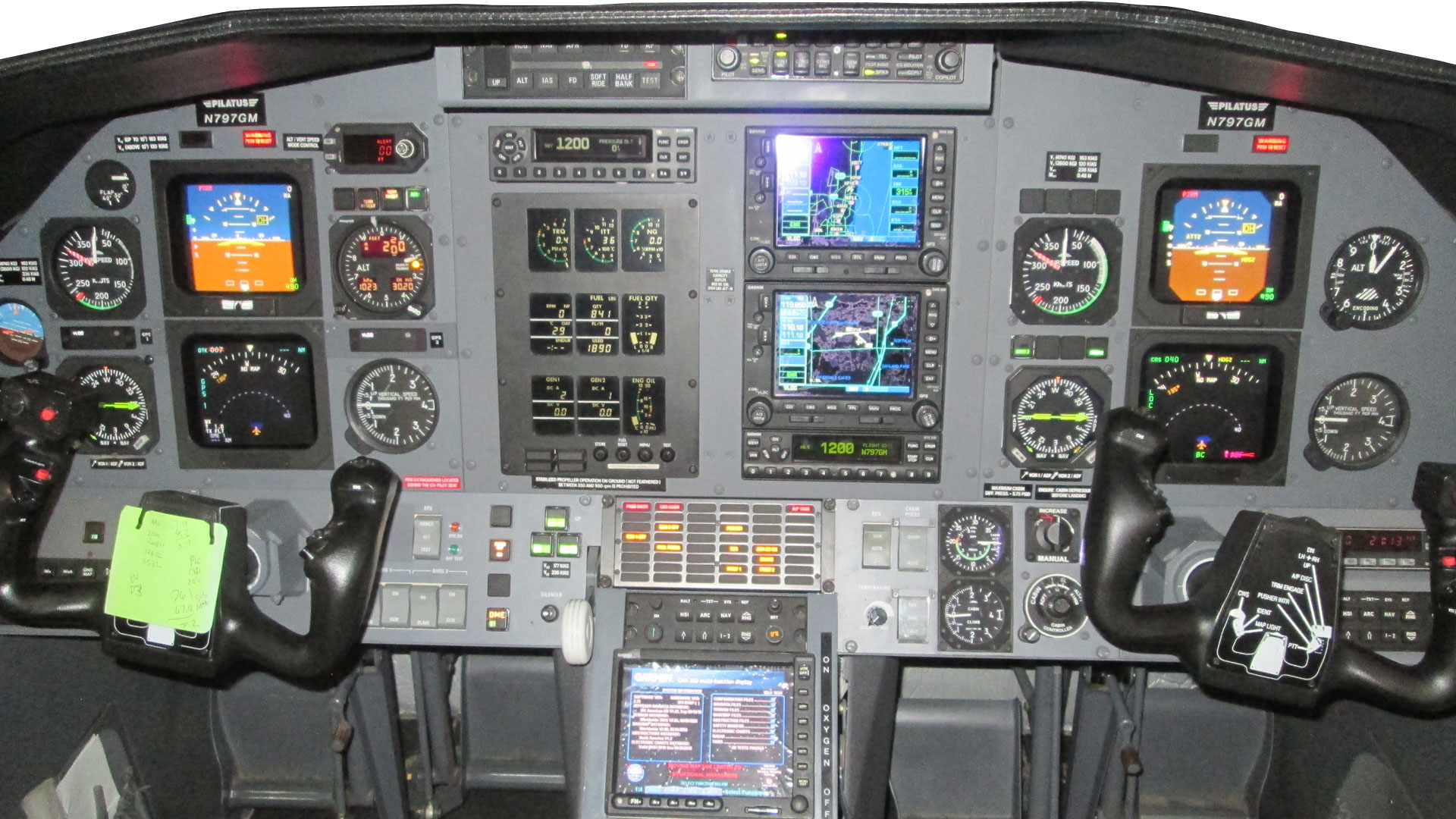 Pilatus Garmin G600 TXi install before