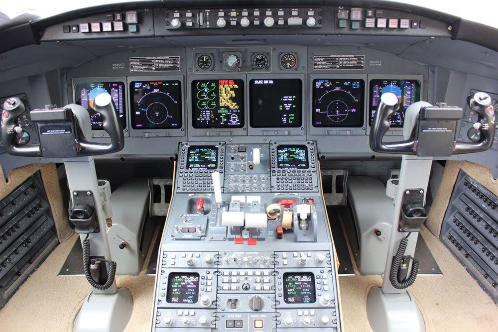 Challenger Avionics Installation