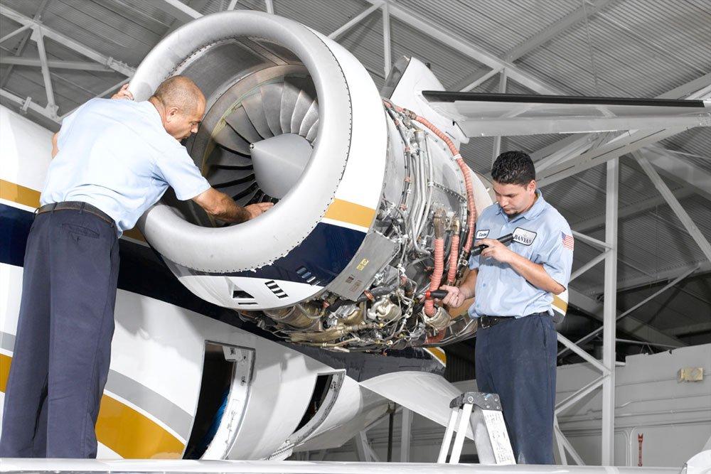 Learjet Maintenance