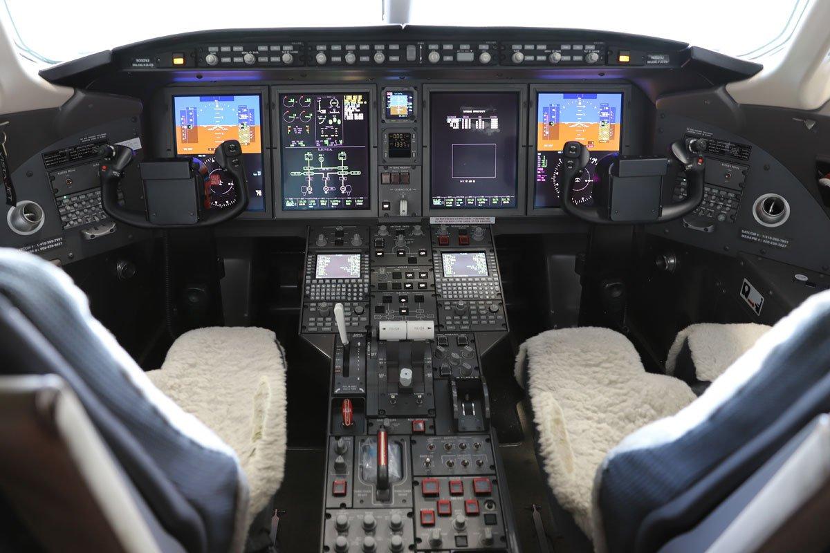 Challenger Aircraft Maintenance