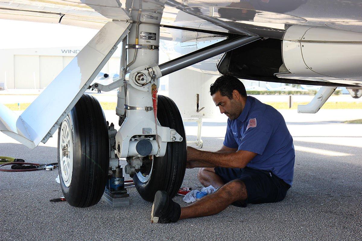 Challenger Aircraft Service